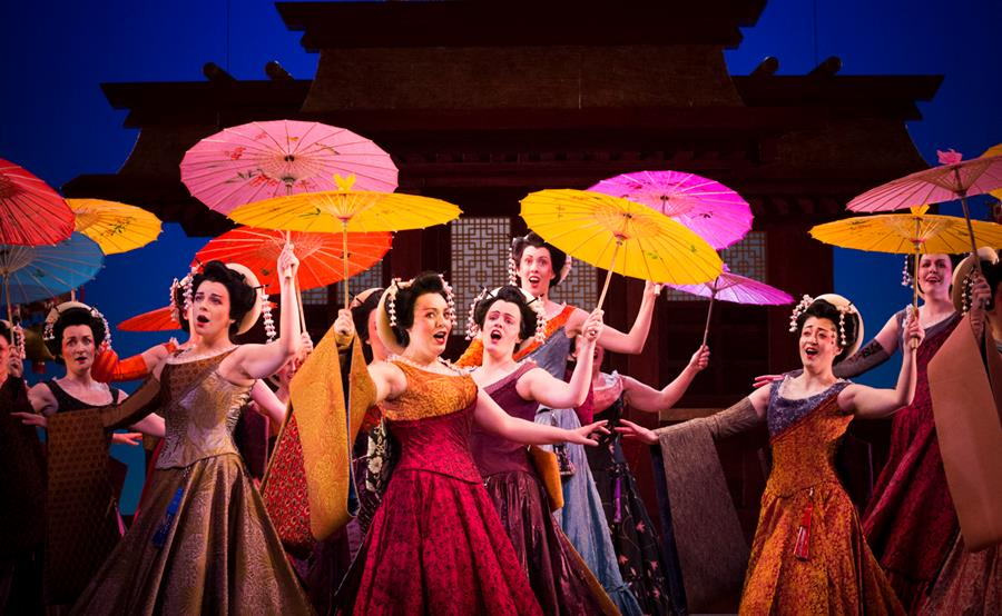 The chorus of The Mikado. Scottish Opera and D'Oyly Carte 2016. Credit James Glossop._1.jpg