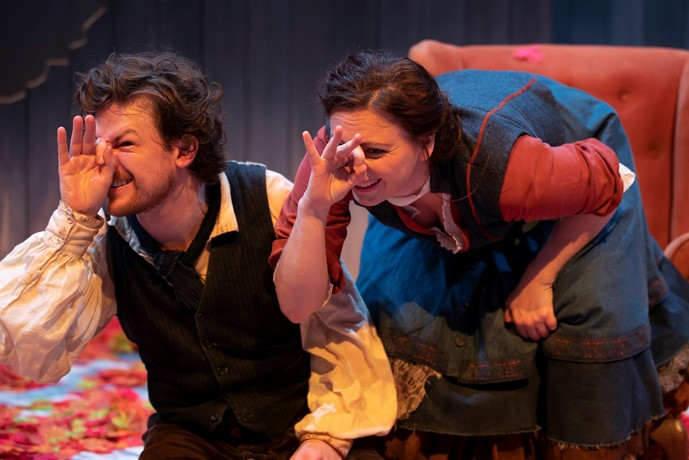 Daniel Keating-Roberts and Katie Grosset in Fox-tot! Credit James Glossop (3).jpg