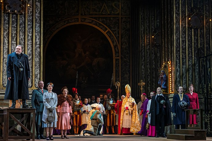 Roland Wood as Scarpia and the cast of Tosca. Scottish Opera 2019. Credit James Glossop
